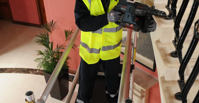 Andamios de aluminio para trabajos de mantenimiento en Málaga